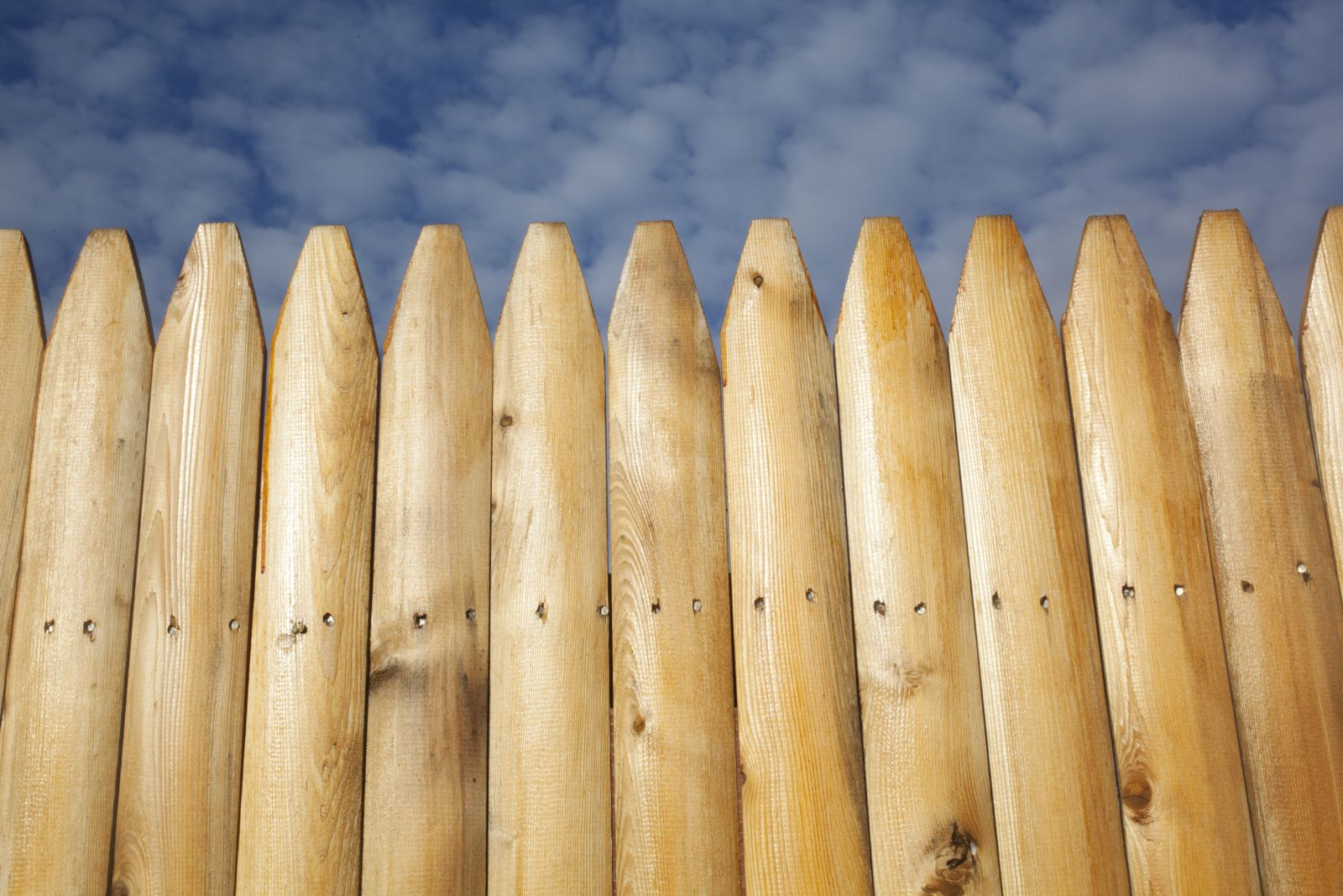 Onlinefence blog onlinefence theres a variety of fencing material alternatives to using wood all of which are widely available in todays market connecticut homeowners need a fence baanklon Choice Image