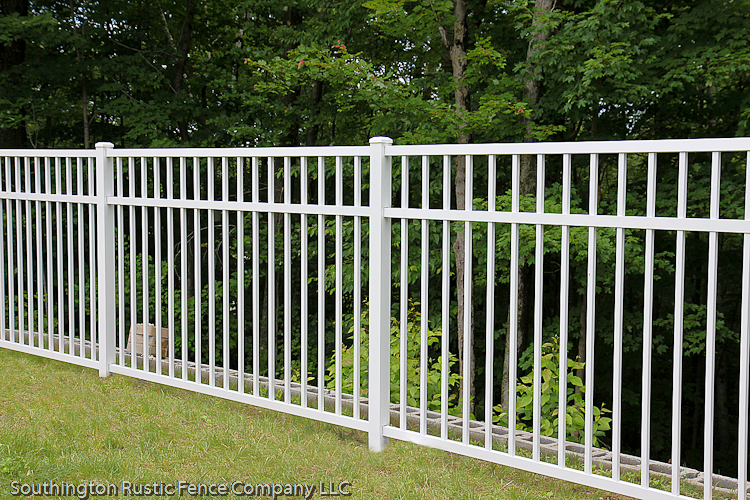 Activeyards aluminum fence in white